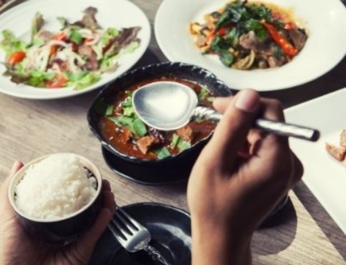 Thailand Table Manners: Food and Drink Etiquette